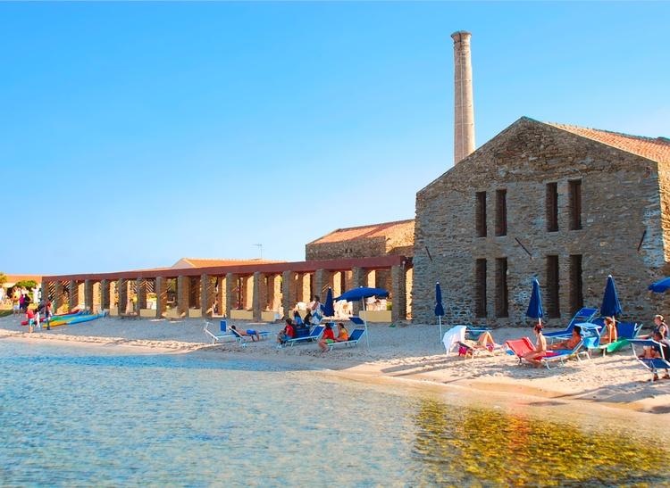 Villaggio le tonnare stintino sardegna le tonnare for Villaggio turistico sardegna